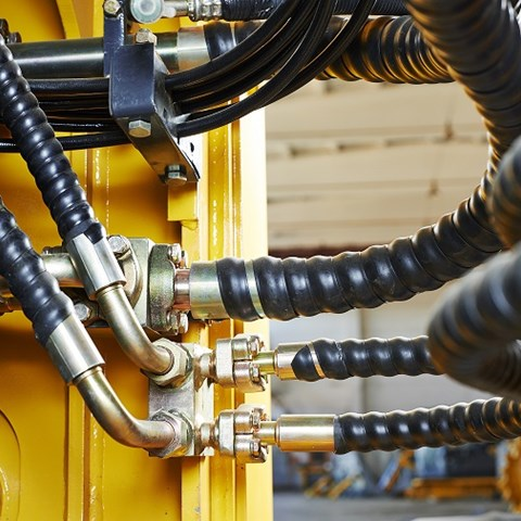How to Calculate the Correct Length on a Hydraulic Hose Assembly & Avoid Scrap
